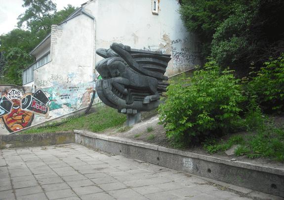 skulptura_kova_antinis_