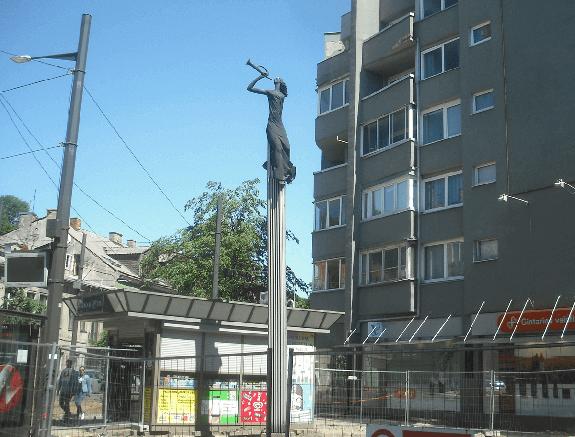 skulptura_zinia_daugulis