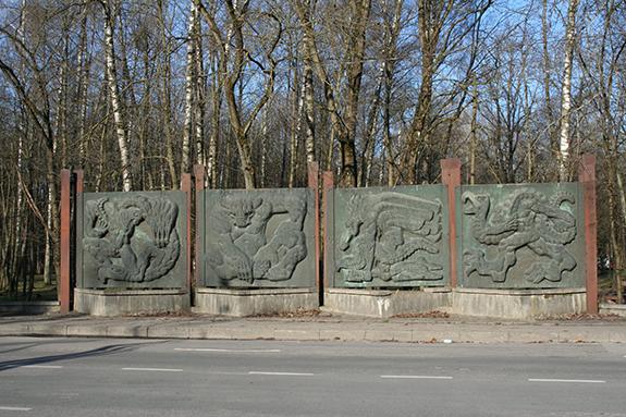 bareljefas_fauna_skulptorius_Sulskis